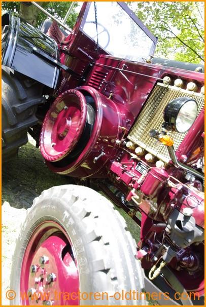 Pampa tractor fotoboek tractoren trekkers oude foto for Tractor verlichting